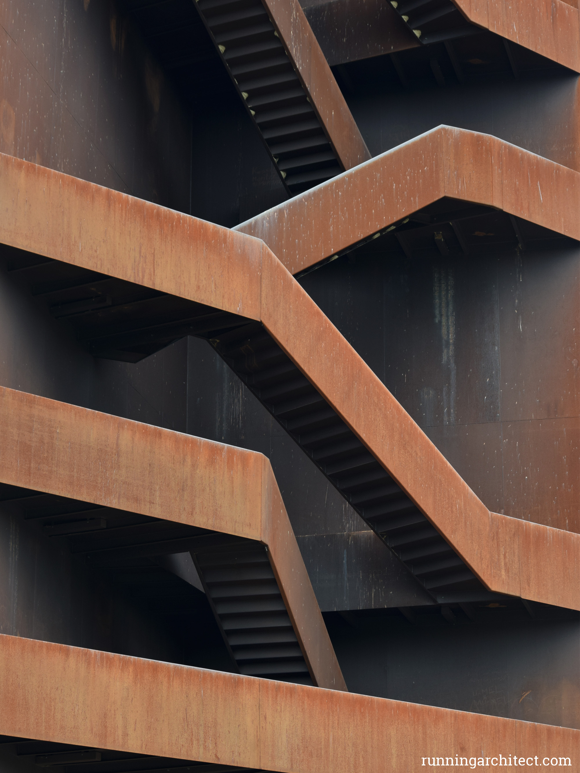 rostiger nagel 02 – running architect.com